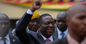 Zimbabve'nin Yeni Devlet Başkanı Mnangagwa Görevine Başladı