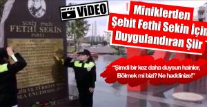 Polis Kıyafetleri İle Şehidimiz İçin Şiir Okudular