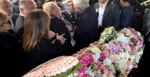Kızları Mina Başaran'a Veda Eden Anne ve Babası Gözyaşlarına Boğuldu