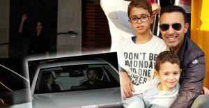 Mustafa Sandal ile Boşanmak Üzere Olan Emina, Gizemli Bir Yakışıklıyla Yakalandı
