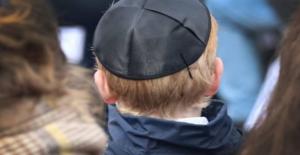 """Almanya'da Yahudilere """"kipa takmayın"""" Uyarısı"""