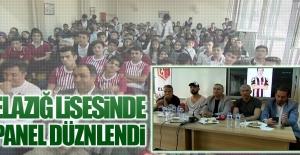 Başkan Karataş, Teknik Heyet ve Futbolcular Öğrencilerle Bir Araya Geldiler