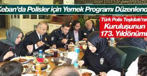 Polisler İçin Yemek Programı Gerçekleştirildi
