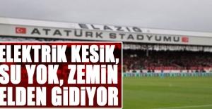 Atatürk Stadyumunda Sulama Yapılamadığı...