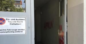 Terör Örgütü Yandaşları Almanya'da Camiye Saldırdı