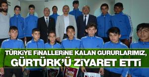 Türkiye Finalisti Hentbol Takımından Gürtürk'e Ziyaret