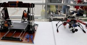 """Üniversite Öğrencilerinden 3D Yazıcıyla """"Yerli Drone"""""""