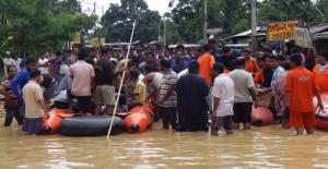 Hindistan'da Muson Yağmurları 21 Can Aldı
