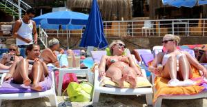 Antalya, 5,8 Milyon Turistle Tüm Zamanların Rekorunu Kırdı