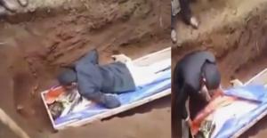 """Etiyopya'da Ölünün Üzerine Yatıp Diriltmeye Çalışan """"Peygamber"""" Gözaltına Alındı!"""
