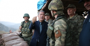 Bakan Hulusi Akar: Teröristleri Hudut Dışına Attık