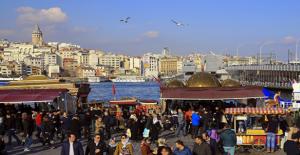 İstanbul'a Gelen Turist Sayısı Geçen Yıla Göre Yüzde 50 Arttı