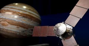 Jüpiter'in uydusu İo'da yanardağ olduğu saptandı