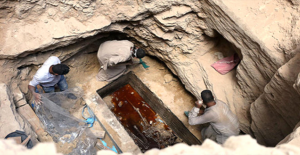Mısır'da Bulunan 30 Tonluk Lahitin İçinden Lağım Suyu Çıktı