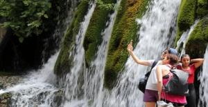 Toros Dağları'ndan Gelen Serinlik: Küp Şelaleleri