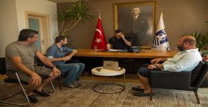 Ünlü Oyuncu Nejat İşler Gümüşlükspor'un Asbaşkanı Oldu