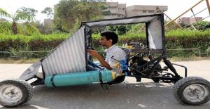 Kahire'de Üniversiteli Gençler, Hava ile Çalışan Otomobil Yaptı