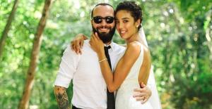 Popçu Berkay, Eşi Özlem Ada Şahin'e 2 Buçuk Milyon Liralık Araba Aldı