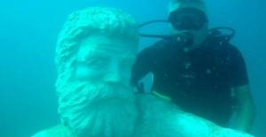 Antalya Kemer'de su altındaki müzeye yeni heykeller yerleştirildi