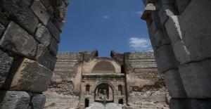 İznik'te Roma, Bizans ve Osmanlı dönemine ait taş yollar bulundu