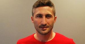 Sabri Sarıoğlu Futbolu Bırakıyor