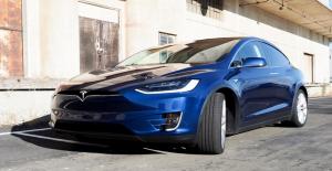 Elon Musk'ın Tesla Otomobillere Gelebileceğini Söylediği Yeni Özellik: Köpek Modu