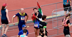 Hollanda'da Filistinliler için koştu