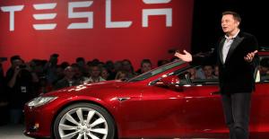 Tesla Çalışanlarından İlginç İtiraf: Elon Musk Her İşe Burnunu Sokuyor