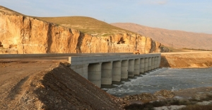 Hasankeyf'teki Eyyubi Camii'nin taşınması için köprü yapıldı