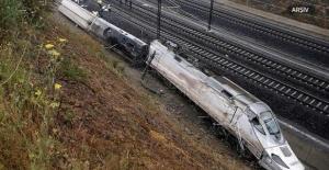 İspanya'da Tren Raydan Çıktı: 1 Ölü, 10 Yaralı