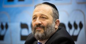 İsrail polisleri İçişleri Bakanı Deri'ye dava açılmasını istedi