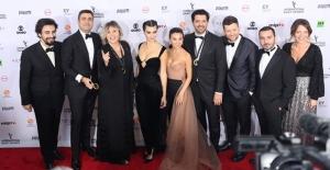 Uluslararası Emmy Ödülleri'nde Türk rüzgarı esti