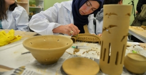 Bilecikli kadınların çömlekten eserleri elçilikleri süsleyecek