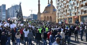 """Lübnan'da """"sarı yelekliler"""" Gösteri Düzenledi"""