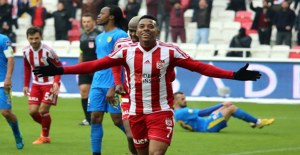Medipol Başakşehir, Sivasspor'un Yıldız Oyuncusu Robinho'yu Kadrosuna Kattı