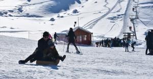 Merga Bütan Kayak Merkezi'nde hafta sonu yoğunluğu