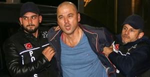 Son Dakika! Papağana İşkence Uygulayan Murat Özdemir Serbest Bırakıldıktan 5 Dakika Sonra Yeniden Gözaltında Alındı