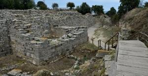 Troya'yı 11 ayda 512 bin kişi ziyaret etti