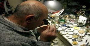 Yarım Asırdır Uğraştığı Saatçilik Mesleğinde Koleksiyonları ile Dikkat Çekiyor
