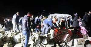 Ağılın çatısının çökmesi sonucu 75 koyun telef oldu