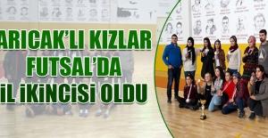 Arıcak'lı Kızlar Futsal'da İl İkincisi Oldu