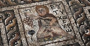 Binlerce yıllık mozaikte turp figürüne rastlandı