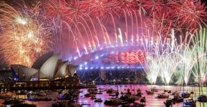 Dünya Yeni Yılı Karşılıyor! İşte Ülkelerin Muhteşem Kutlama Görüntüleri