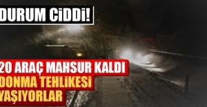 Elazığ'da 20 Araç Kar Nedeniyle Mahsur Kaldı