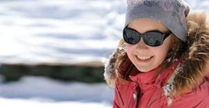 Kışın Güneş Gözlüğü Takmayı İhmal Etmeyin!