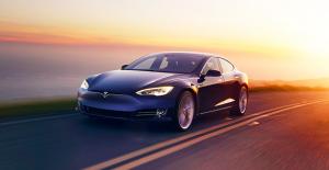 Tesla'nın Yeni Supercharger'larına Tesla Dışında Başka Araçlar Nasıl Giremiyorlar?