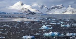 Antarktika'da devasa boşluk keşfedildi