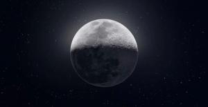 Ay'ın 50.000 Fotoğraftan Oluşan 81 MP'lik Muhteşem Fotoğrafı