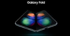 Bu Görsel, Samsung'un Katlanabilir Telefonuna Ait Olabilir mi?