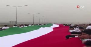 Dünyanın En Uzun Bayrağı: 2 Bin 19 Metre